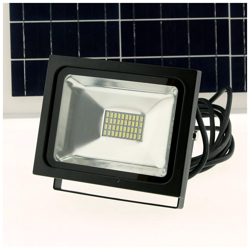 Eclairage exterieur led puissant cheap applique solaire for Projecteur led exterieur puissant