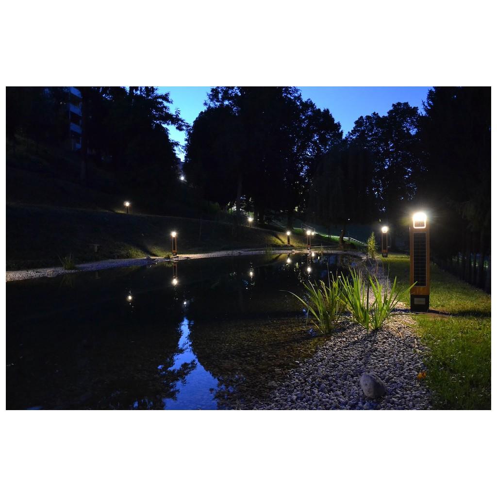 borne solaire puissante bois 260 lumens eclairage zs energie solaire. Black Bedroom Furniture Sets. Home Design Ideas